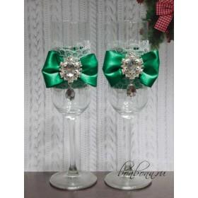 Зеленые бокалы на свадьбу